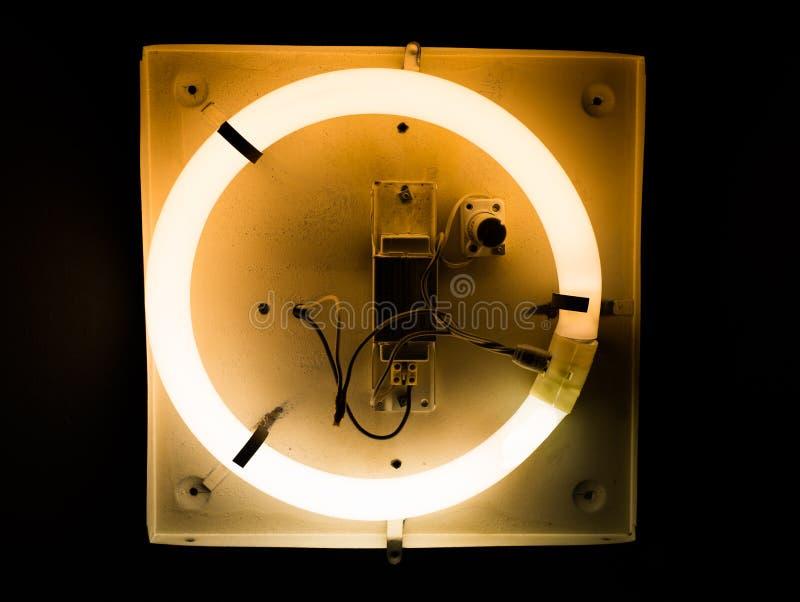 Effetti della luce al neon sul segnaposto rotondo immagine stock