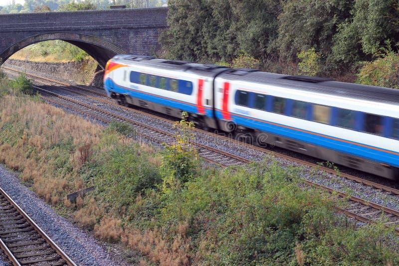 Effetto della sfuocatura del treno delle Midlands orientali. immagine stock