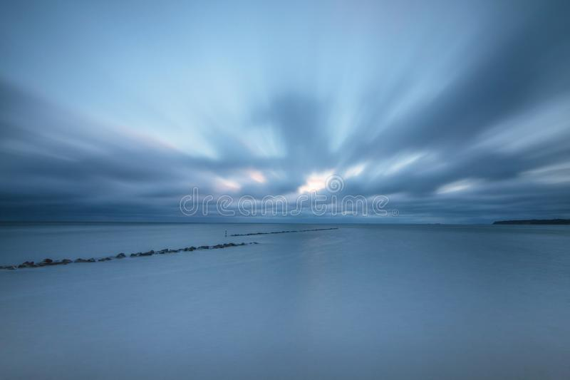 Effetto delle nuvole sulla spiaggia immagine stock