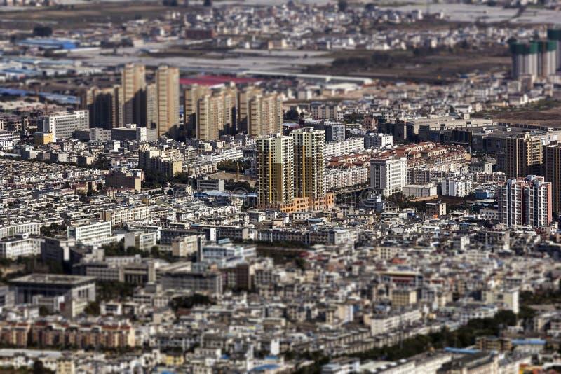 effetto dello Inclinazione-spostamento sulla città cinese nel Yunnan fotografia stock