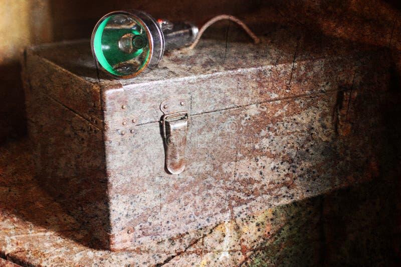 Effetto graffiato strutturato sulla foto di vecchio strumento del cassetto immagine stock libera da diritti