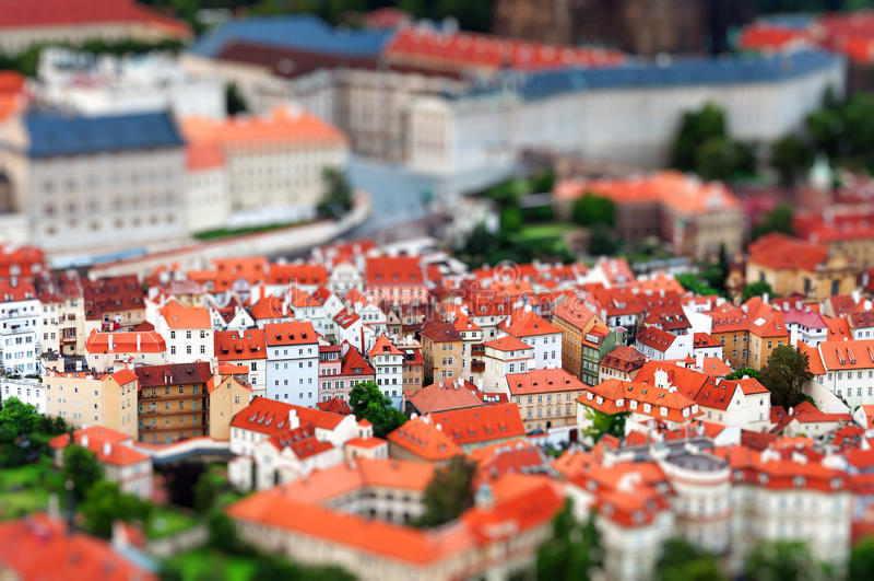 effetto miniatura dello Inclinazione-spostamento del paesaggio urbano di Praga immagine stock libera da diritti