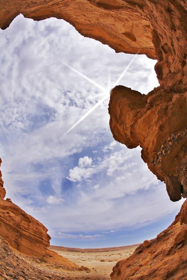 Efficiënte groef-gat canion in woestijn stock afbeeldingen