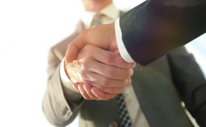 Efficiënte onderhandeling met cliënt Bedrijfsconceptenfoto stock foto