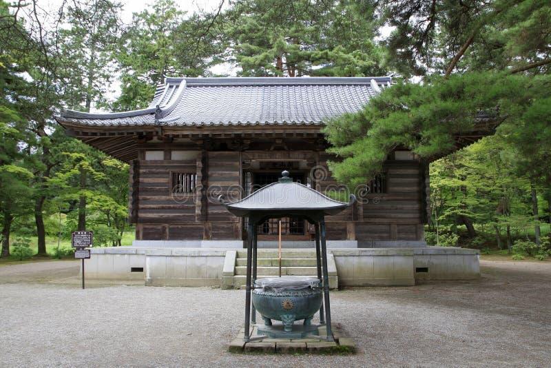 Effondez-vous le hall du ` s du temple de Motsu dans Hiraizumi photo stock
