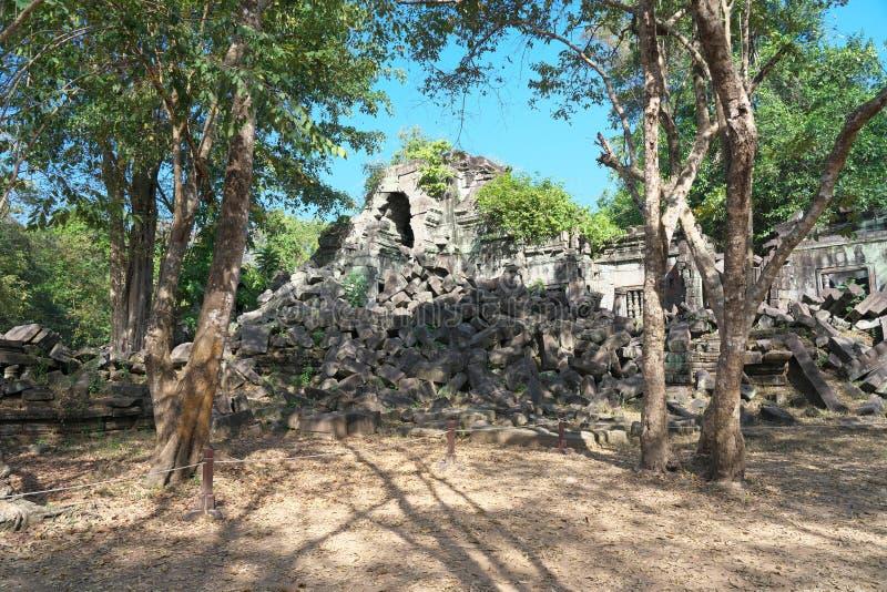 Effondré de la galerie de Beng Mealea dans Siem Reap, Cambodge images stock