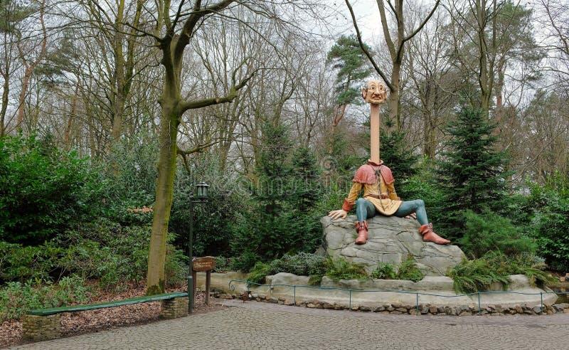 Efteling, Themepark nei Paesi Bassi, Fairytale Forest, attrazione di Longneck john fotografia stock libera da diritti
