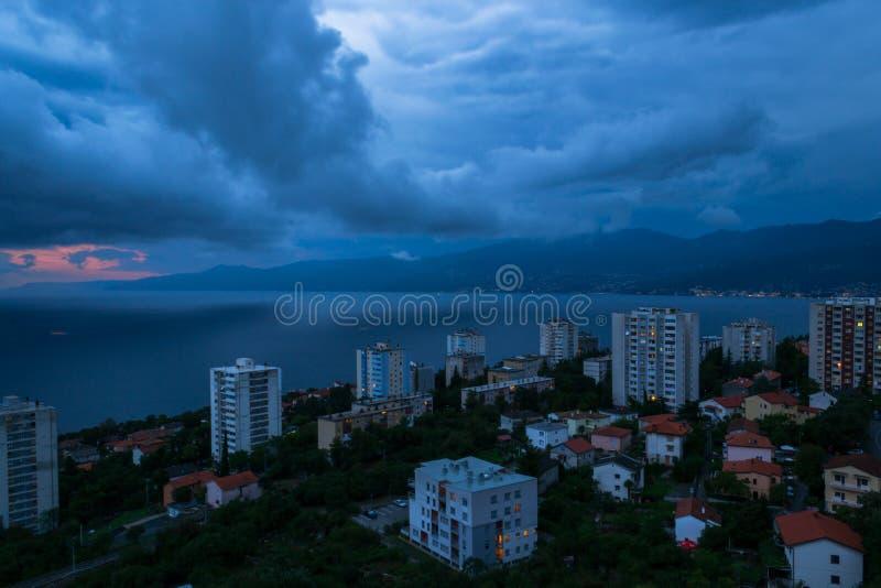 Efter regnet i Rijeka arkivbilder