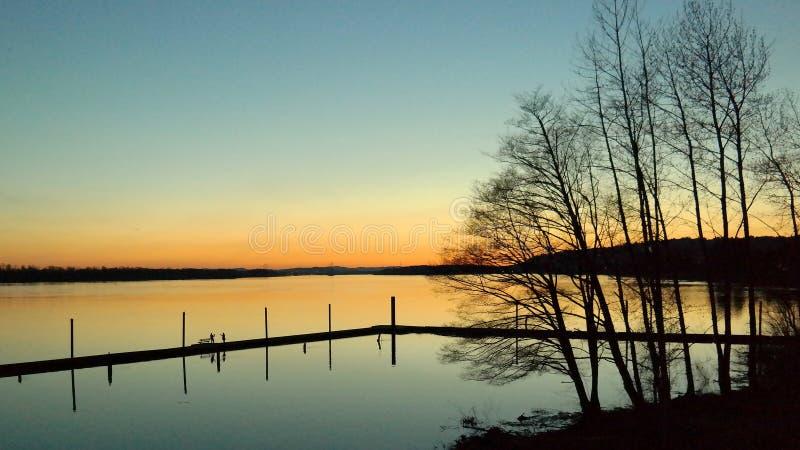 Efter solnedgång på Columbiaet River arkivfoto