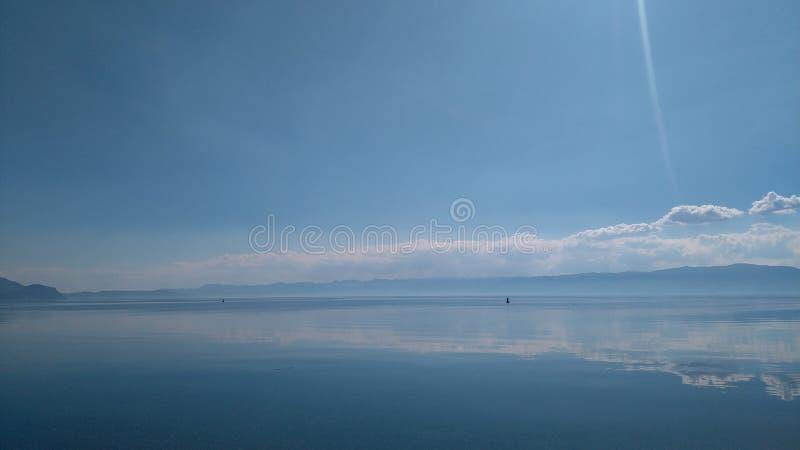 Eftermiddag sjö royaltyfri fotografi