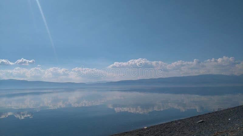 Eftermiddag sjö arkivbilder