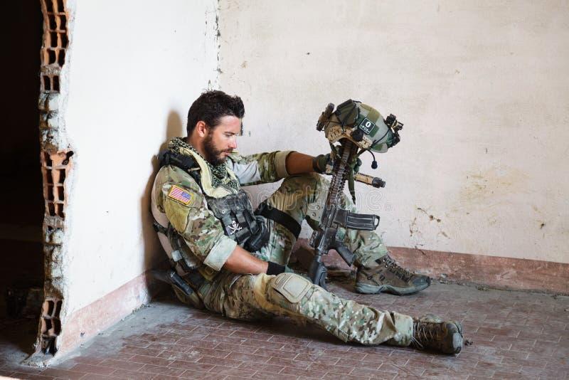 Eftertänksam amerikansk soldat royaltyfri bild