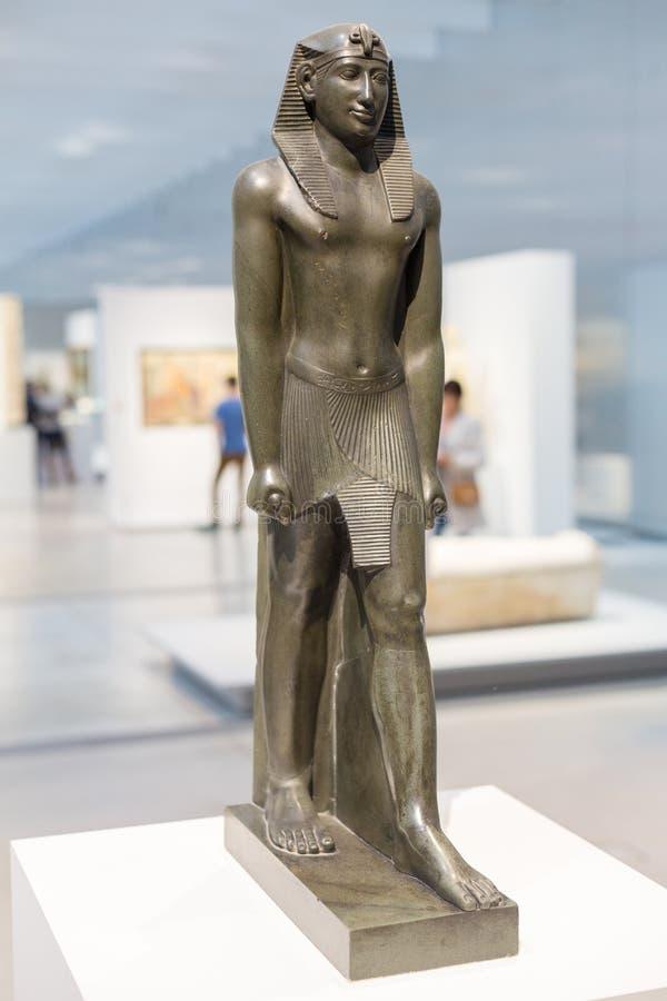 Egípcio Sculture na lente do Louvre, França fotografia de stock royalty free