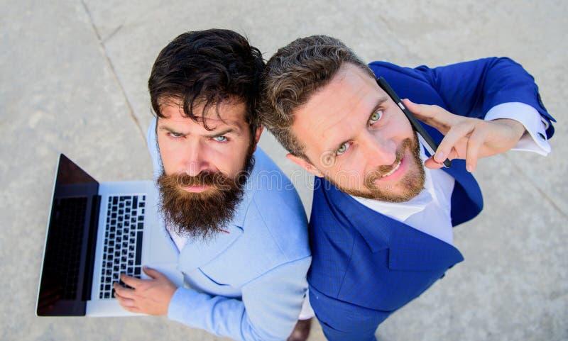 Egenföretagande som teamwork Lag för affärsexpertservice, bästa sikt Försäljningar och online-transaktion Försäljningsavdelning royaltyfria foton