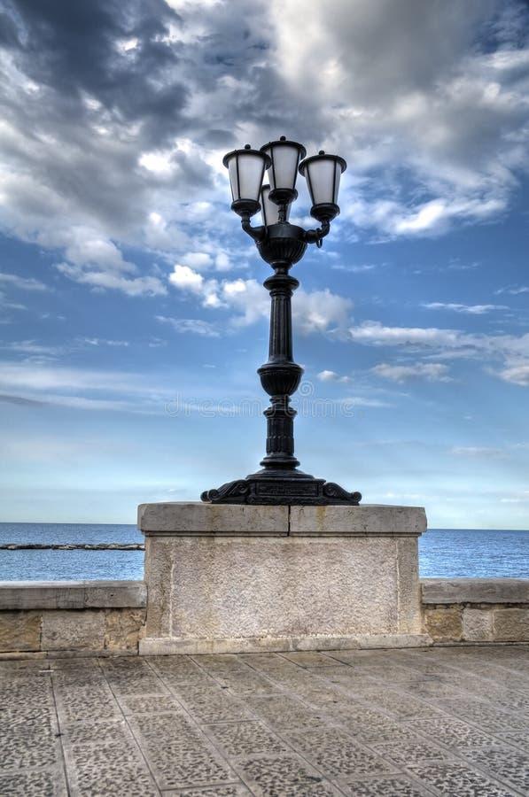 egenskap lamppost royaltyfria bilder