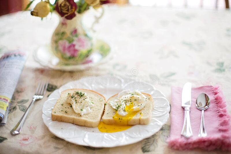Eggs And Bread On Plate Free Public Domain Cc0 Image