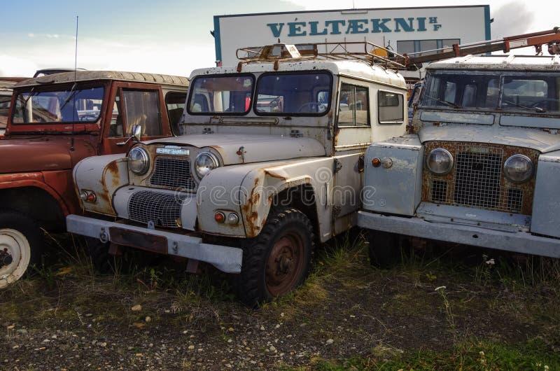 Egilsstadir, Islandia - 28 de agosto de 2014: Viejo abandonó toda la rueda foto de archivo libre de regalías