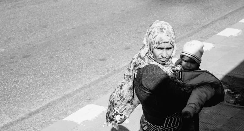 Egipska kobieta przy południem zdjęcia stock