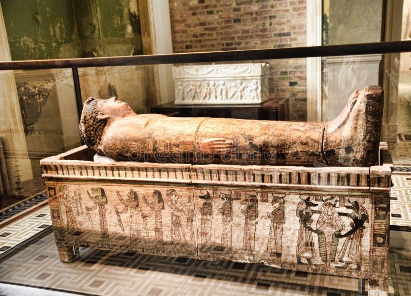 Egipska mamusia w muzeum w Berlińskim Niemcy obraz royalty free
