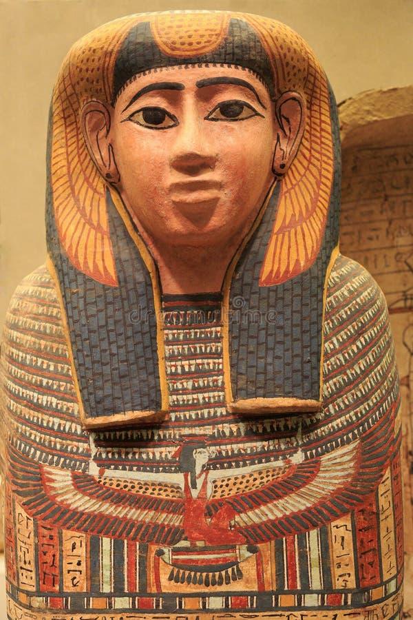 Egipski drewniany malujący sarkofag obraz stock