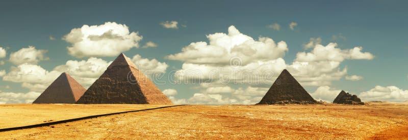 Egipt panoramapyramid med hög upplösning arkivfoto