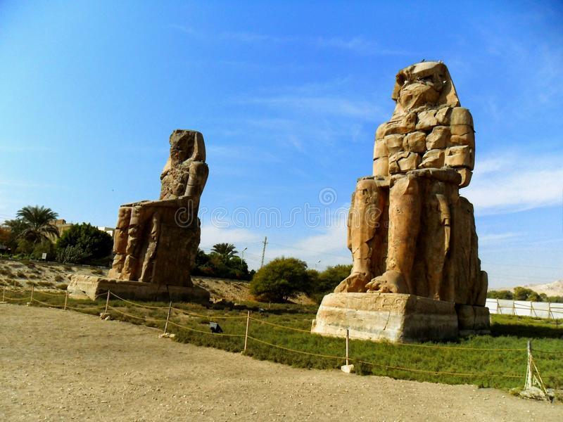 Egipto, África del Norte, los colosos de Memnon, Thebes, ciudad de Luxo fotografía de archivo libre de regalías