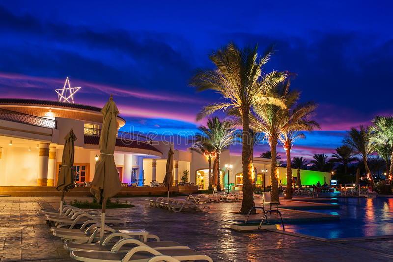 Egipto, Sharm el Sheikh, el 8 de diciembre de 2014, opinión de la noche del hote foto de archivo libre de regalías