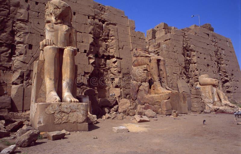 Egito: DES de Tempel do patrimônio mundial do Unesco Amun-re em Karnak perto de Luxor imagens de stock
