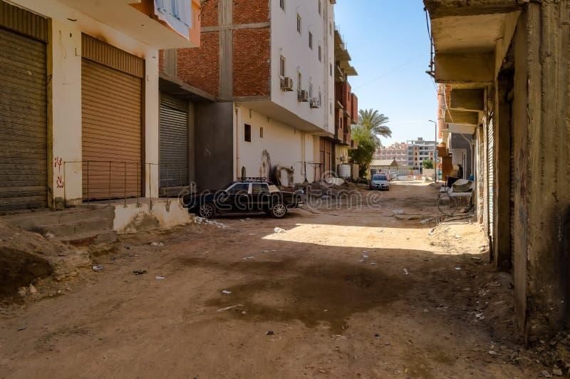Egitto, Hurghada, strada sporca immagine stock