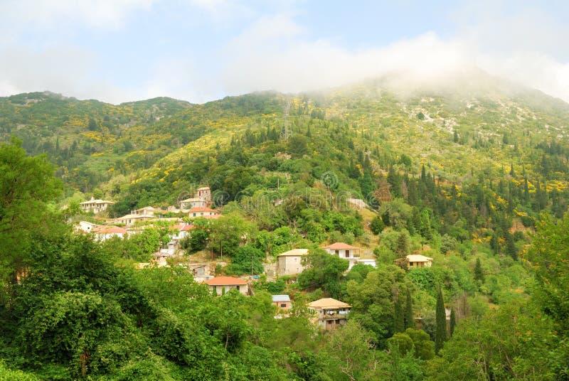 Eglouvi遥远的村庄在希腊海岛的山的 免版税库存照片