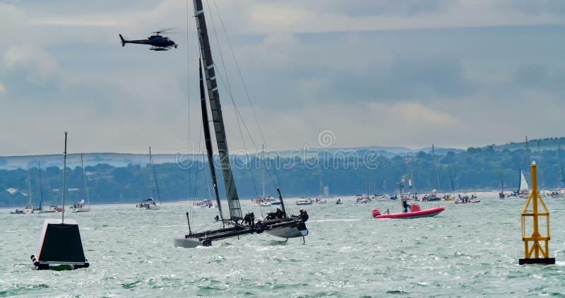 Żeglowanie łodzie w regatta w wyspie Wight obraz royalty free