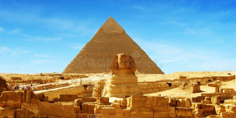egypt giza stor panoramapyramid fotografering för bildbyråer
