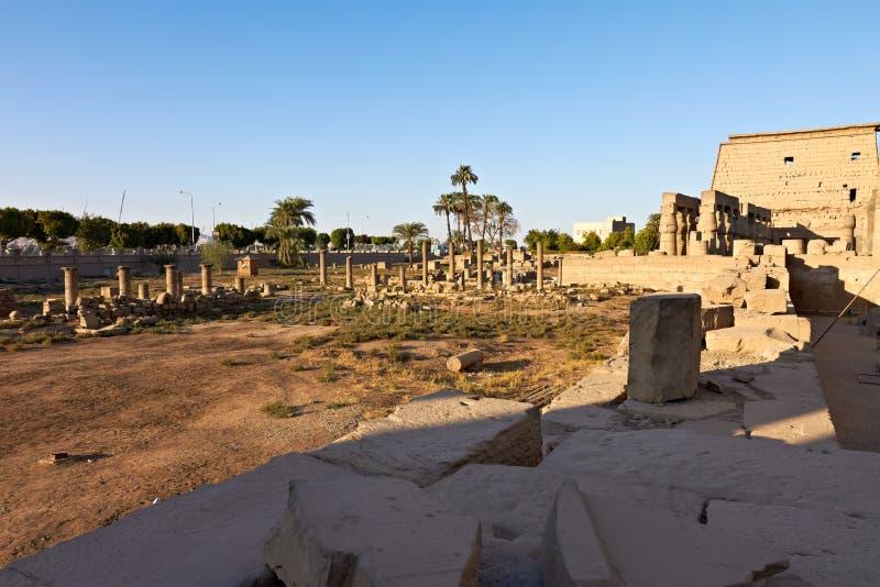 egypt luxor fördärvar tempelet arkivbilder