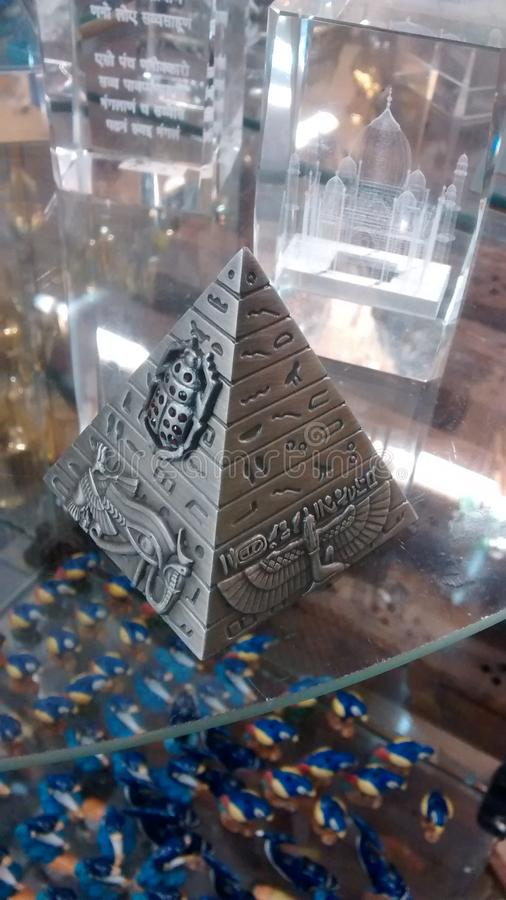 Egyptian pyramid. Heal through meditation! Pirâmide espiritual stock image