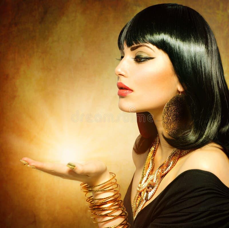 Free Egyptian Style Woman Royalty Free Stock Photos - 30227878