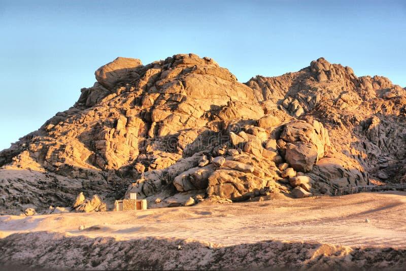 Egyptische de rotswoestijn van de bergsteen stock foto