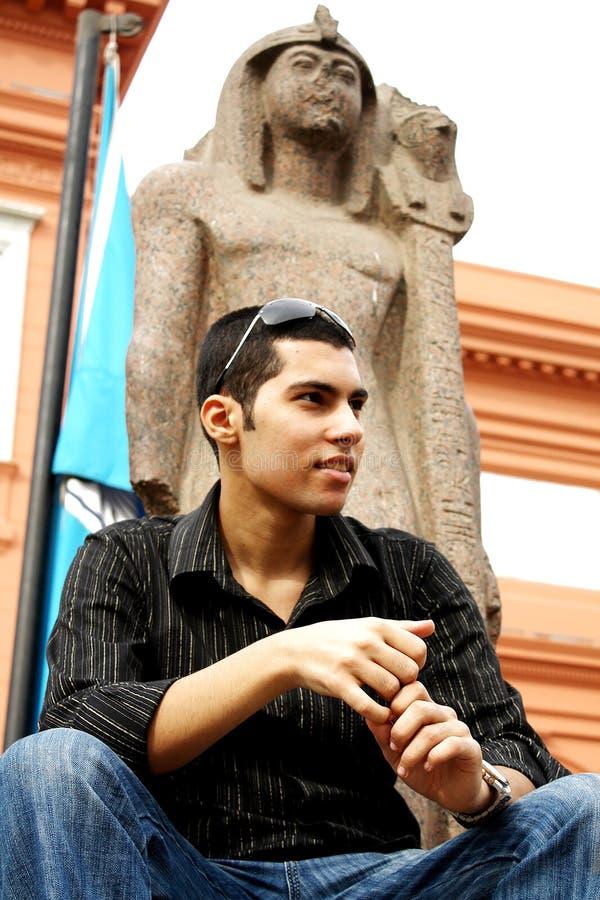 Egyptische mens in het Egyptische museum in Egypte royalty-vrije stock foto's