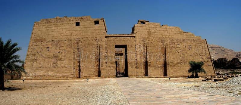 Egyptische tempel stock afbeelding