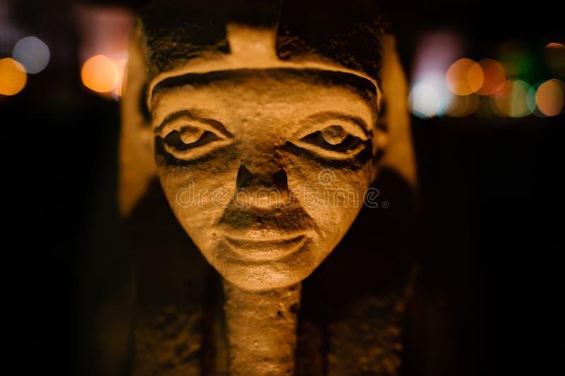 egyptisk pharaohstaty fotografering för bildbyråer