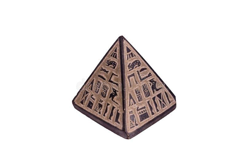 Egyptisk pyramid för souvenir som isoleras på en vit bakgrund royaltyfri bild