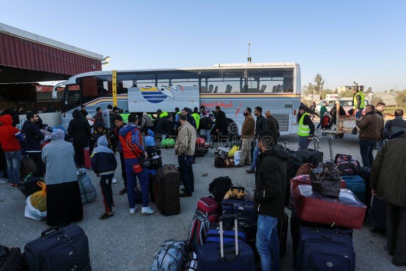 Egyptiska myndigheter öppnar den endast passagerarekorsningen mellan Gaza och Egypten i båda riktningar om igen i dag royaltyfria foton