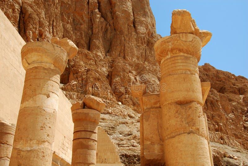 egyptiskt fragmenthatshepsuttempel royaltyfri foto