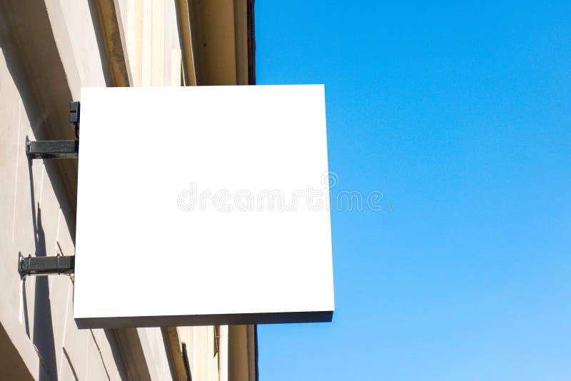 Egzamin próbny Up Pusty signboard sklep lub restauracja na ścianie fotografia stock