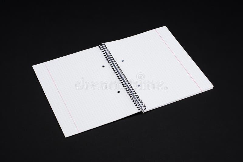 Egzaminu próbnego magazyny, książka lub katalog na czerń stołu tle, zdjęcie royalty free