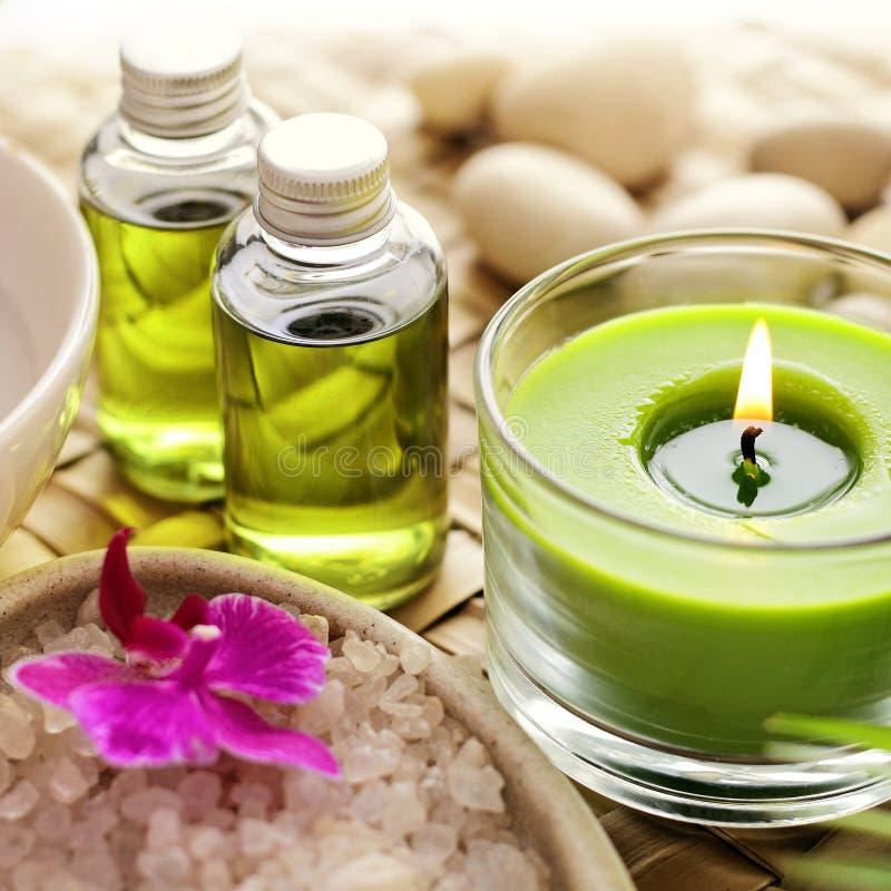 egzotyczne kwiat masażu produktów spa stone ręcznik zdjęcia stock