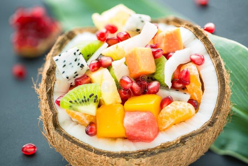 egzotyczne sałatka owocowa zdjęcie royalty free