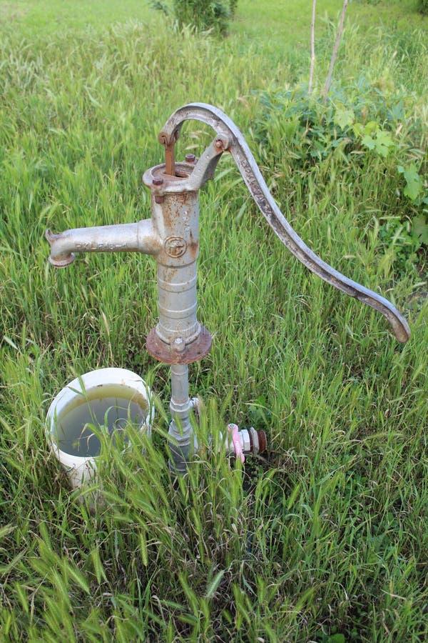 Ehemalige Wasserbrunnen lizenzfreie stockbilder