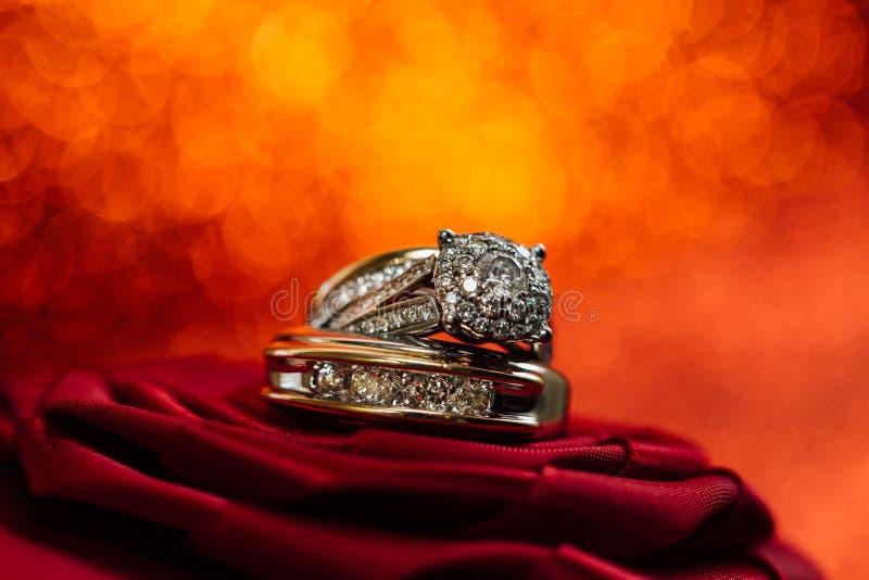 Eheringdiamanten lizenzfreie stockfotografie