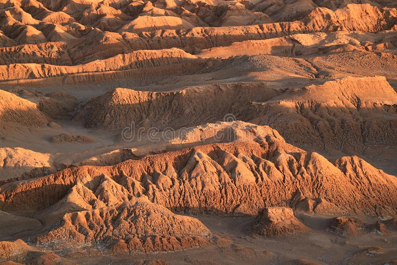 Ehrfürchtige Felsformationen am Mond-Tal- oder ELvalle De La Luna, Atacama-Wüste, San Pedro Atacama, Nord-Chile stockfotografie