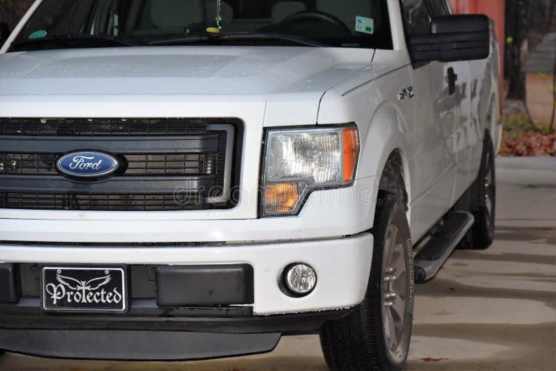 Ehrfürchtiges Ford 2013 F150 stockfotos